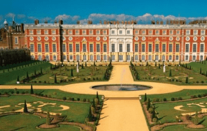 Preview 2 of the Hampton Court Palace website